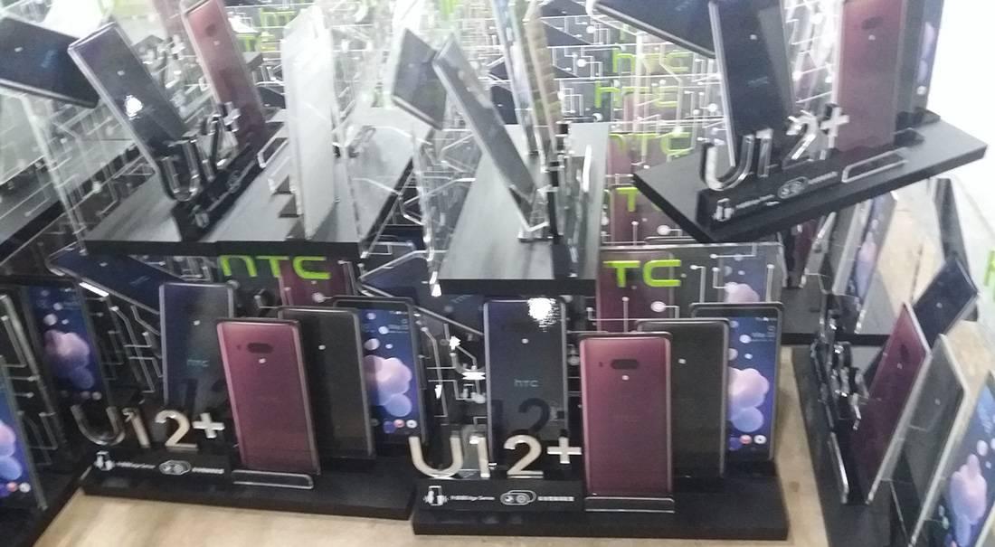 HTC U12 Plus Mobile Phone POS Retail Counter Display Units