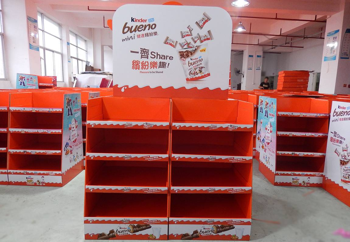 Kinder Chocolate Cardboard Display Stand Production Workshop