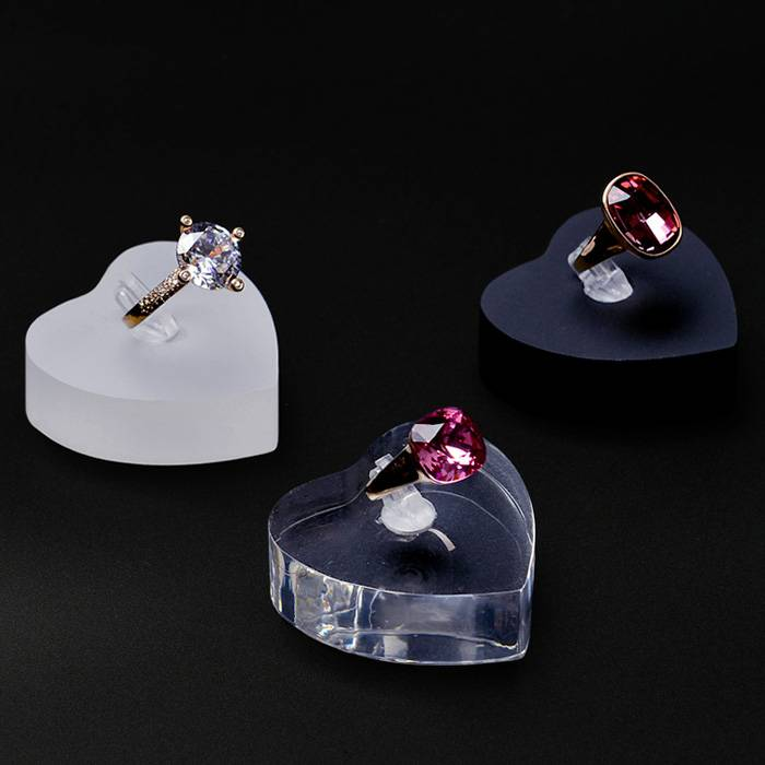 Heart-shaped Acrylic Jewelry Display Finger Ring Display Stand Ring Holder
