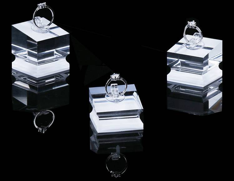 Ring Display Modern Acrylic Ring Holder Display Stand-1