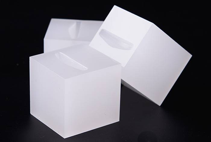White Acrylic Slotted Block Jewelry Hand Ring Holder XH34-2