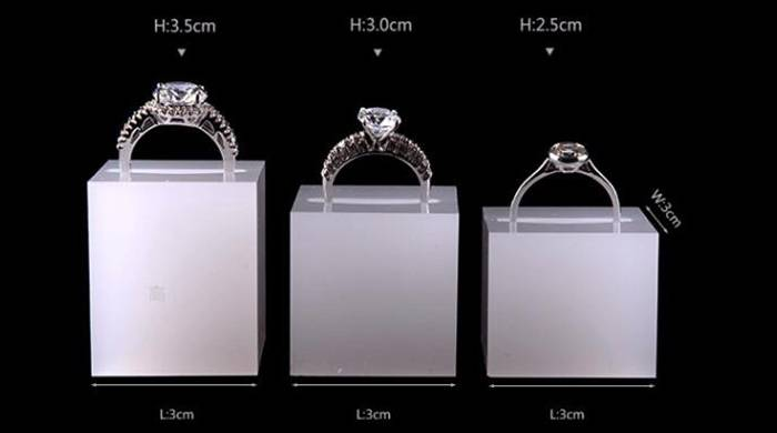 White Acrylic Slotted Block Jewelry Hand Ring Holder XH34-5